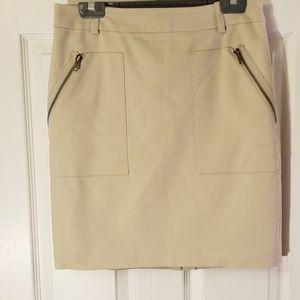 Cream Ann Taylor Skirt, Sz8, side zipper